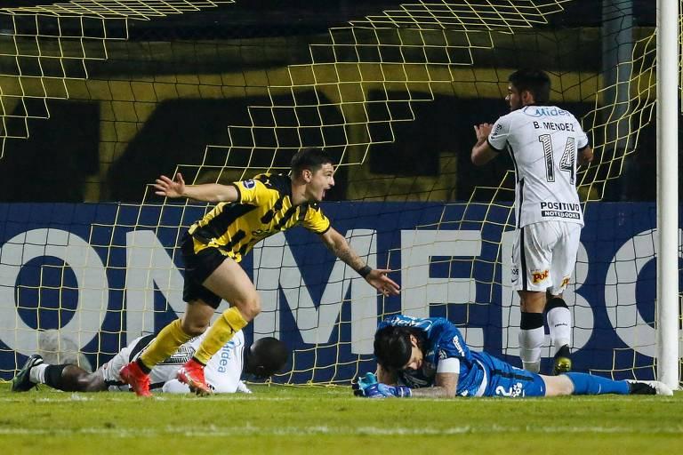 Timão é goleado pelo Peñarol e dá adeus à Copa Sul-Americana