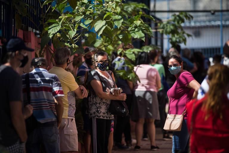 São Paulo abre oito megapostos de vacinação para pedestres; veja endereços