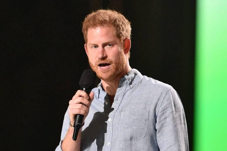 Príncipe Harry diz que se mudou para os EUA para não repetir erros do pai