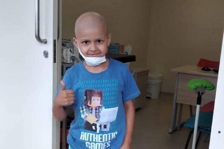 Crianças aguardam remédios para câncer não cobertos pelo SUS; hospital pede doações