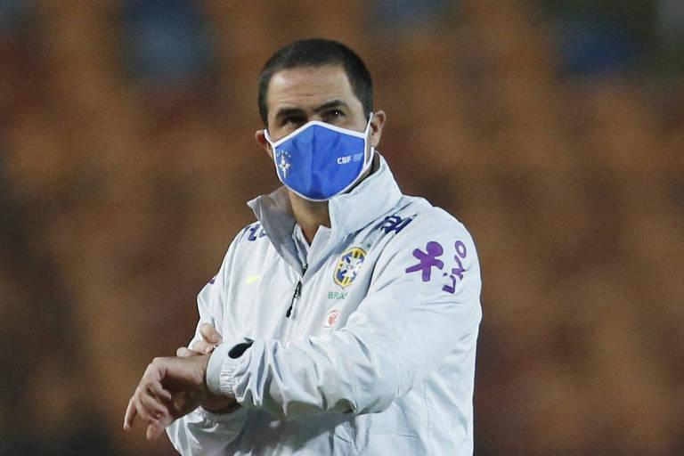 André Jardine, técnico da seleção brasileira sub-23, durante partida contra o Egito