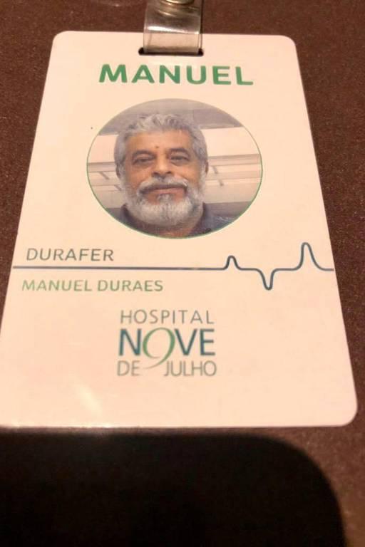Crachá de Manoel Durães, empresário de São Paulo