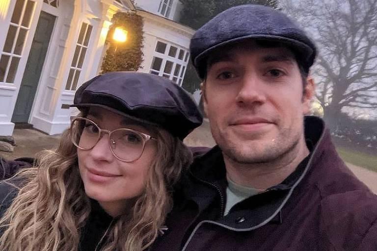Henry Cavill com a namorada, Natalie Viscuso