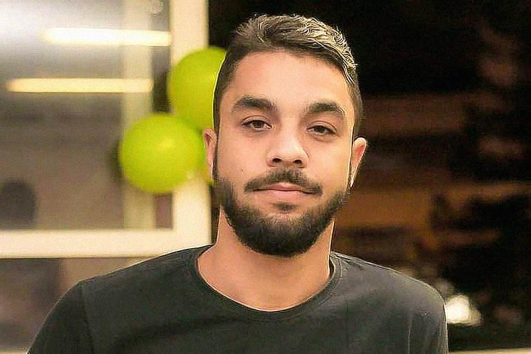 Foto mostra  Thiago Freitas de Souza, que foi assassinado na manhã deste sábado (15), na Favela Santo Cristo, em Niterói (RJ)