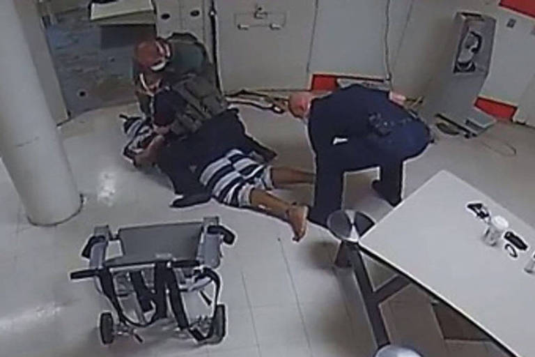 Imagens de câmera de segurança mostram o homem negro Jamal Sutherland pouco antes de morrer