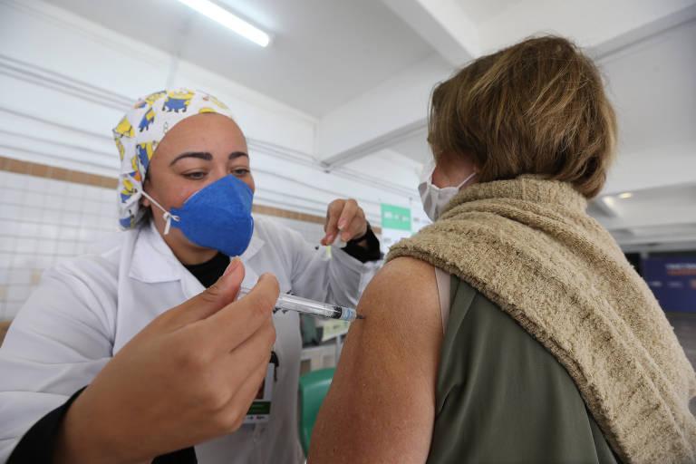 São Paulo tem Dia D de vacinação contra Covid-19 e contra a gripe
