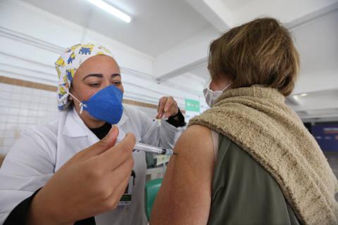 Cidade de SP libera xepa de vacina contra Covid para pessoas a partir de 18 anos