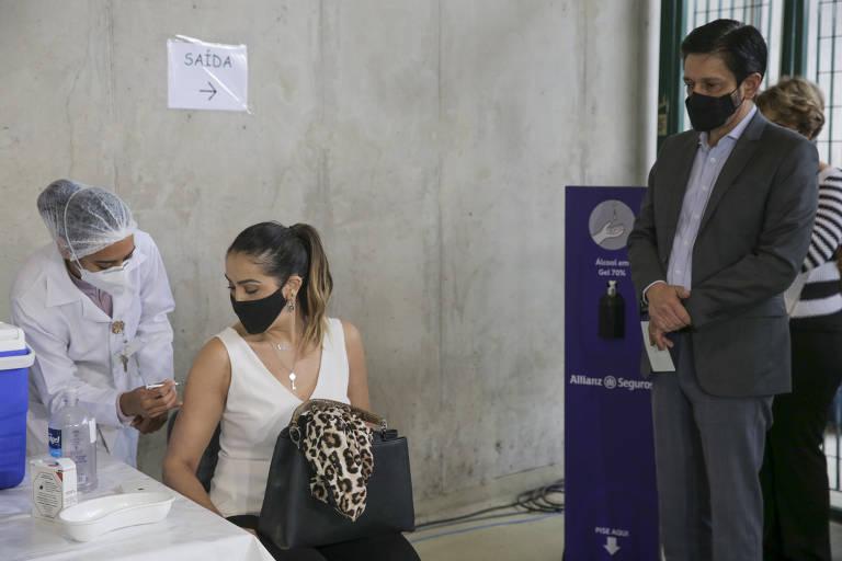 São Paulo inicia vacinação de grávidas e puérperas com comorbidades contra a Covid-19