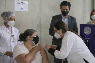 Vacinação contra covid em grávidas e primeiro evento do Ricardo Nunes