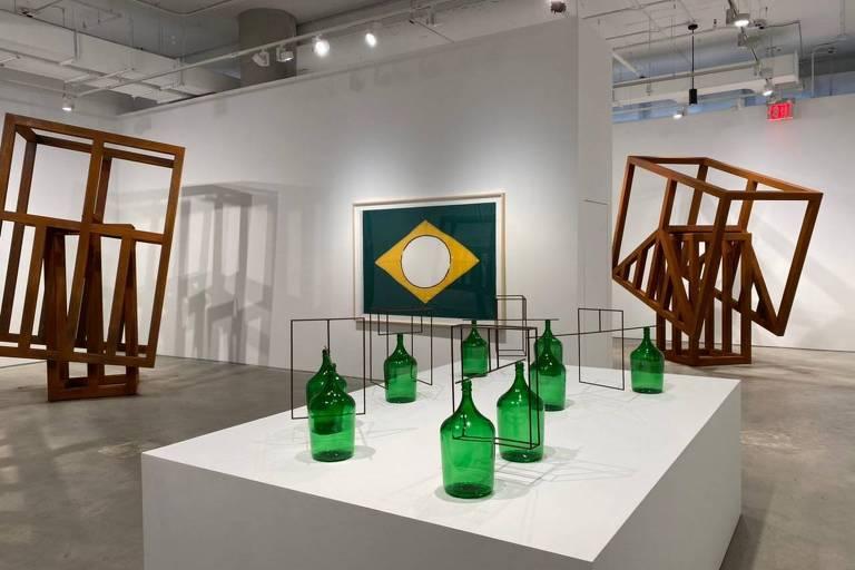 Raul Mourão exibirá mostra 'Empty Head' na galeria Nara Roesler de Nova York
