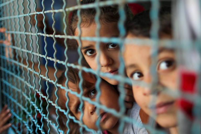 Confronto com Israel mergulha Gaza em crise humanitária, com falta de água e 52 mil deslocados