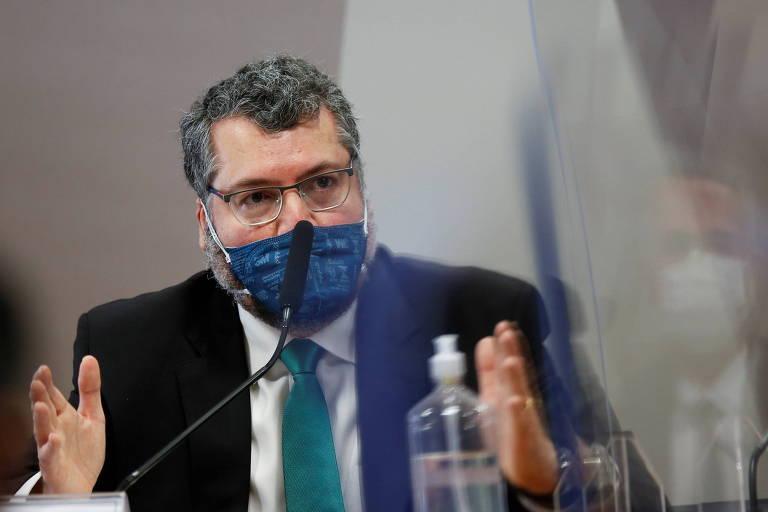 Ernesto confirma à CPI ação de Bolsonaro por cloroquina e dissimula sobre suas agressões à China