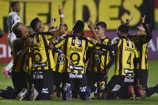 Copa Libertadores - Group C - The Strongest v Santos