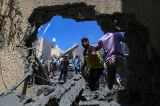 MIDEAST-GAZA-KHAN YOUNIS-ISRAEL-AIRSTRIKES