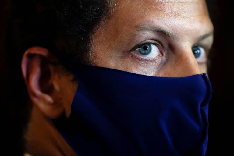 PF aponta operações suspeitas de Salles em escritório com a mãe durante governo Bolsonaro