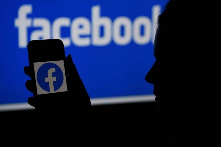 Folha volta a publicar conteúdo no Facebook