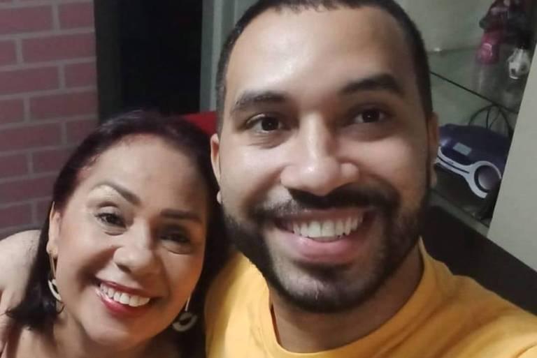 Jacira Santanna com o filho, Gilberto (Gil), do BBB 21
