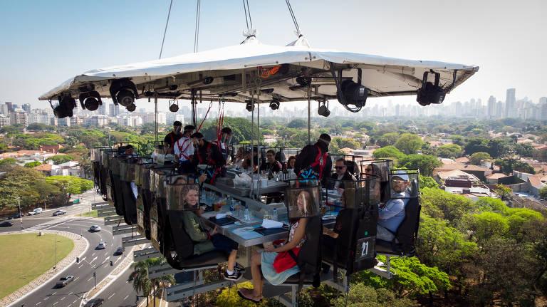 Evento que serve jantar a 50 metros de altura ganha nova edição em SP