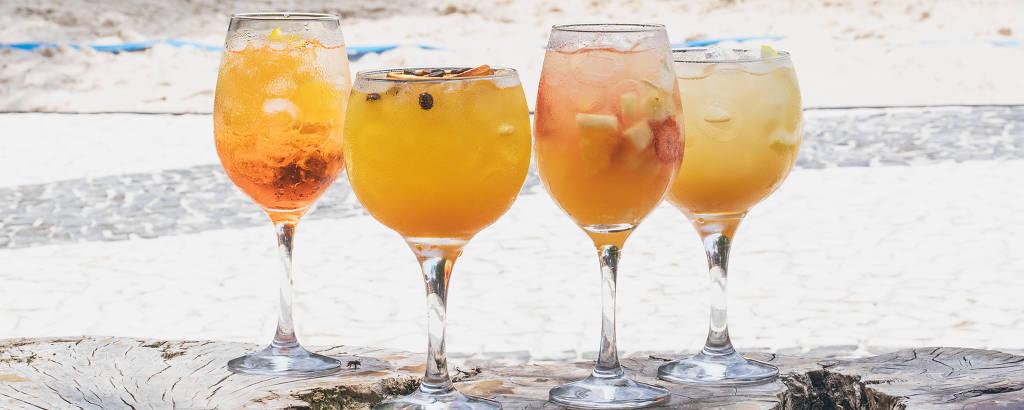 Os driques aperol spritz, orange coffee, clericot e ginger tonic servidos pelo Botanikafé no Calçadão