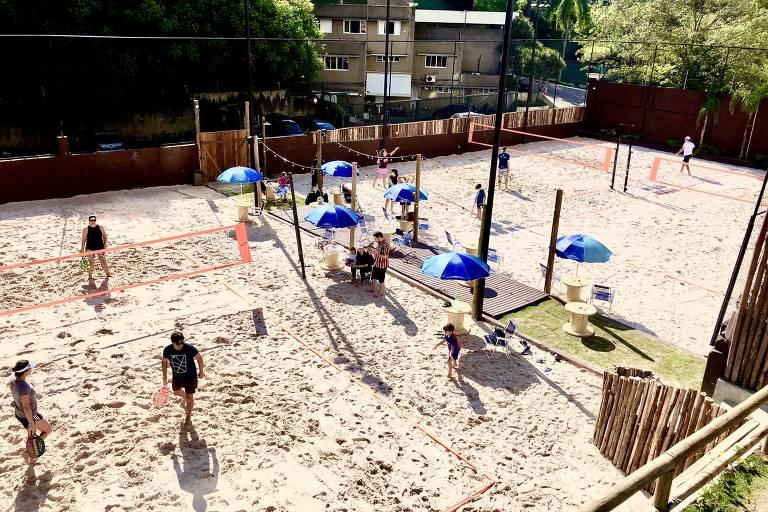 Conheça o Praia Brava Sand Club e o Calçadão