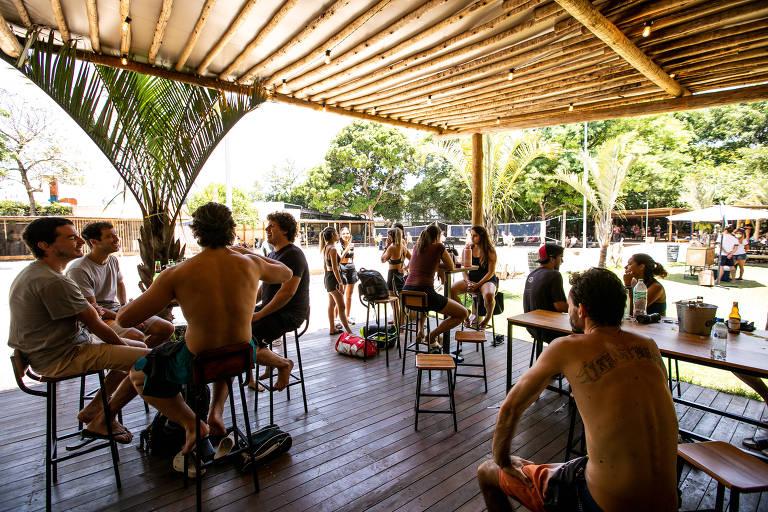 No complexo do Calçadão, há quadras de areia e o restaurante BotaniKafé