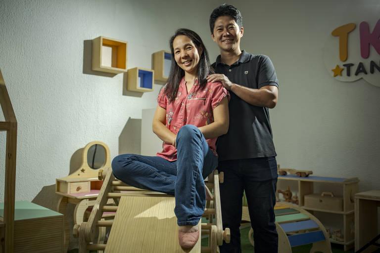 Sérgio e Paula Takahashi, donos da Tanabata Kids, adaptaram seus produtos para que eles possam ser usados dentro de casa durante a pandemia; a ideia deu certo e no ano passado a empresa cresceu 250% na comparação com 2019