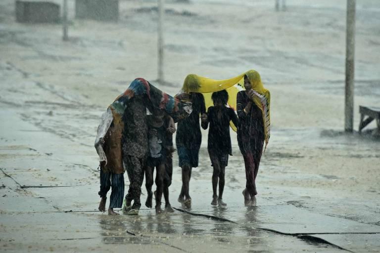 Devastada pela segunda onda da pandemia, Índia acumula milhares de órfãos