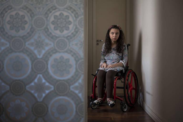 Sofia Crispim completa 16 anos nas próximas semanas e luta para poder ser vacinada