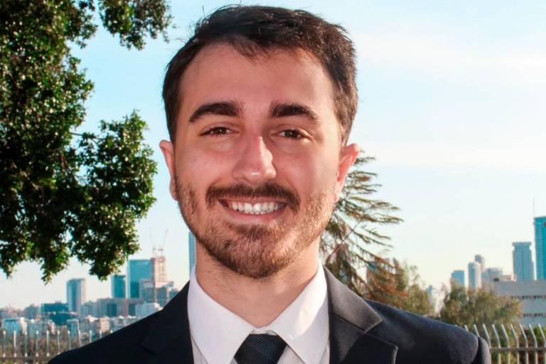 O advogado paulista Felipe Minhoni, 25, que faz mestrado em Tel Aviv