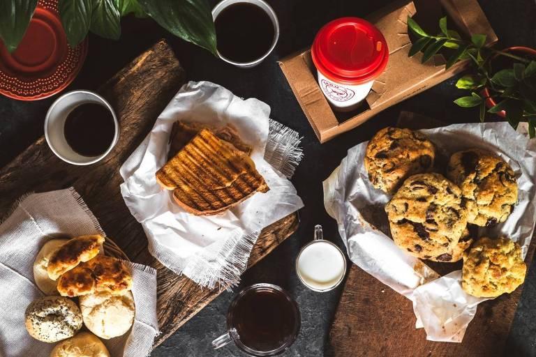 Cafés da Carú Café Pra Levar, que opera via delivery em São Paulo