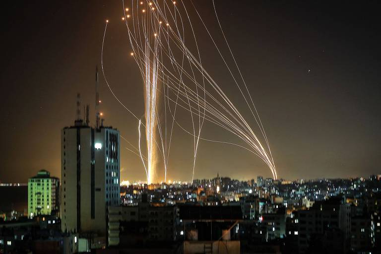 'Esperava o horário dos bombardeios para poder dormir', conta brasileiro que mora em Tel Aviv