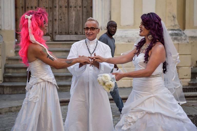 LGBTs cubanos aguardam discussão sobre casamento igualitário para viver sonho