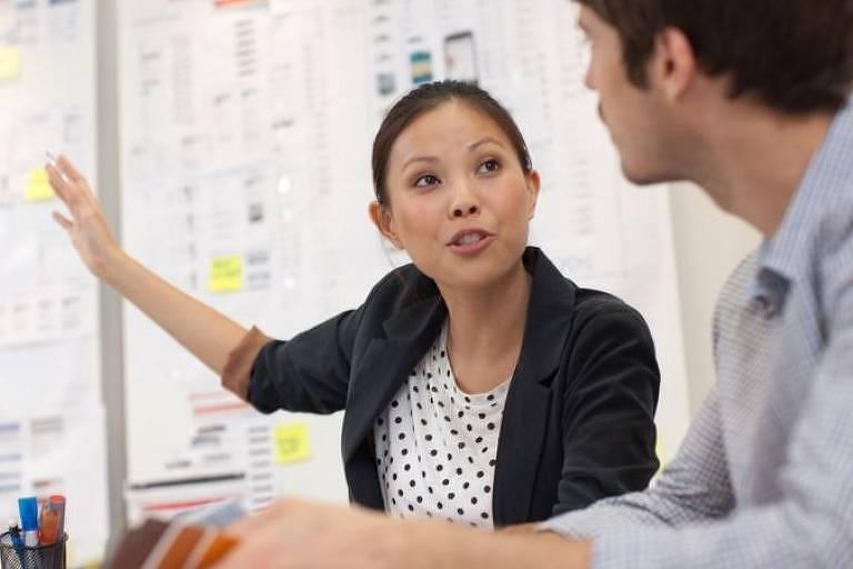 A forma como nos autopromovemos pode ajudar a determinar se prosperamos no ambiente de trabalho ou permanecemos esquecidos