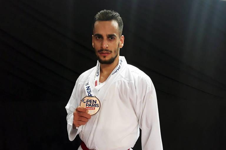 Hamoon Derafshipour é campeão asiático de caratê e já foi terceiro colocado no Mundial