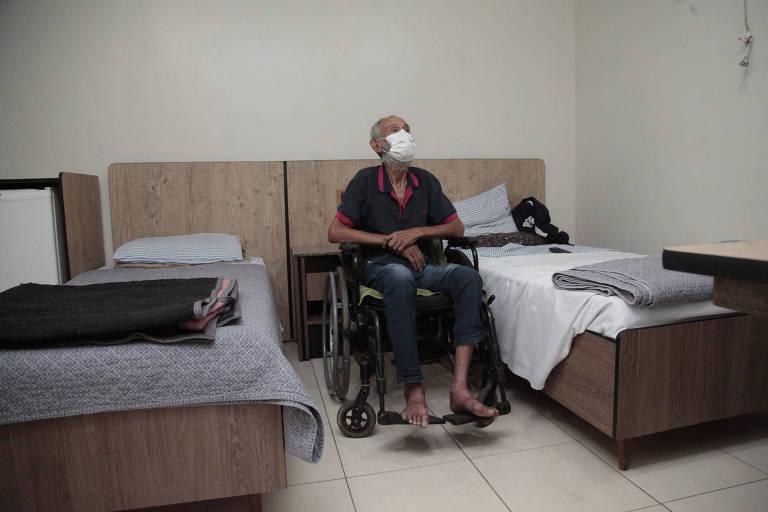 Prefeitura de SP hospeda em hotéis mais 170 idosos em situação de rua