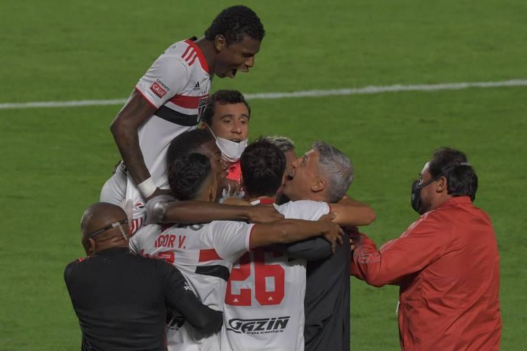 São Paulo vence o Palmeiras, conquista o Paulista e se liberta do jejum