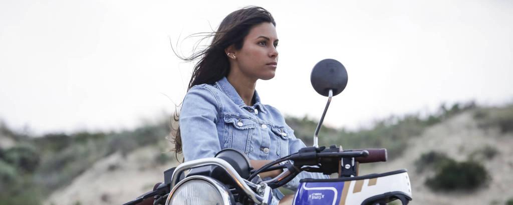 A atriz Carolina Loureiro interpreta Nazaré, personagem-título da novela portuguesa
