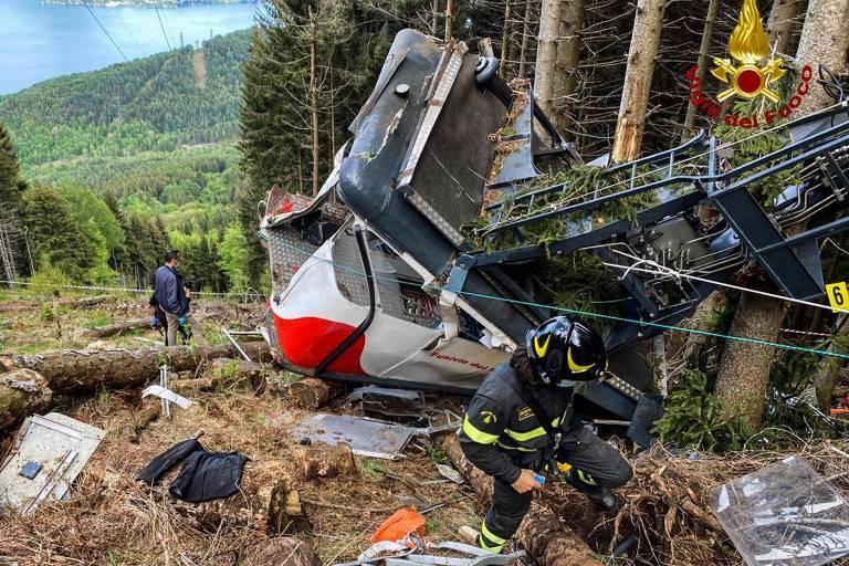 Vídeo mostra queda de teleférico que deixou 14 mortos na Itália