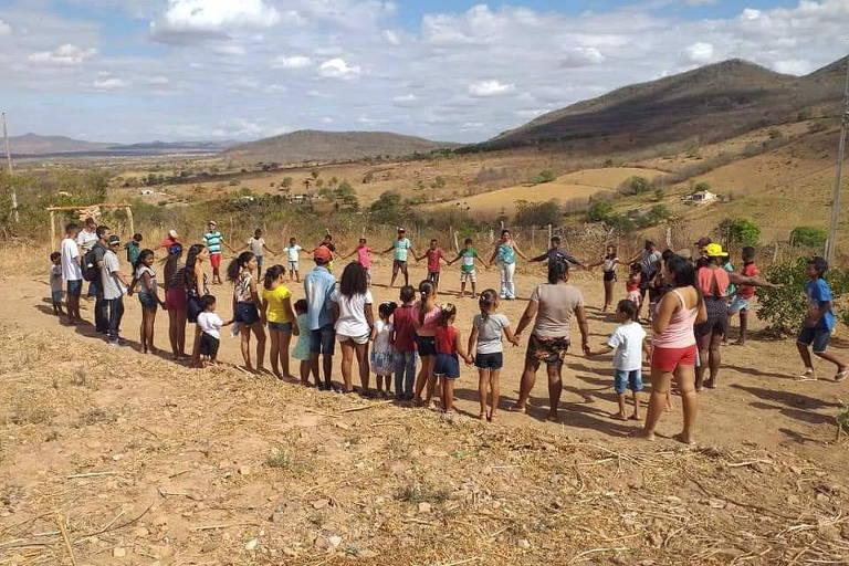 Confraternização natalina de 2019, com distribuição de brinquedos para crianças carentes da comunidade Sítio Pedra Miúda, em Alagoas