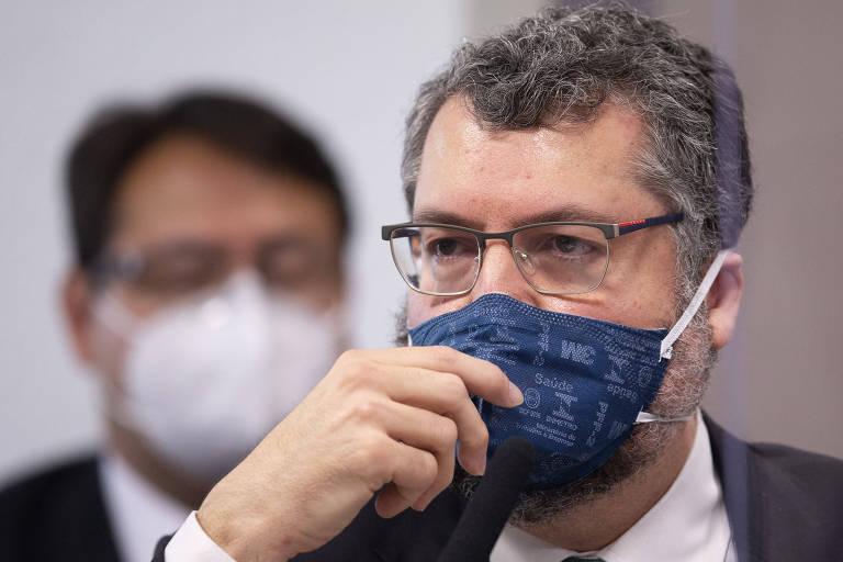 Ex-chanceler Ernesto Araújo tira licença remunerada de 90 dias do Itamaraty