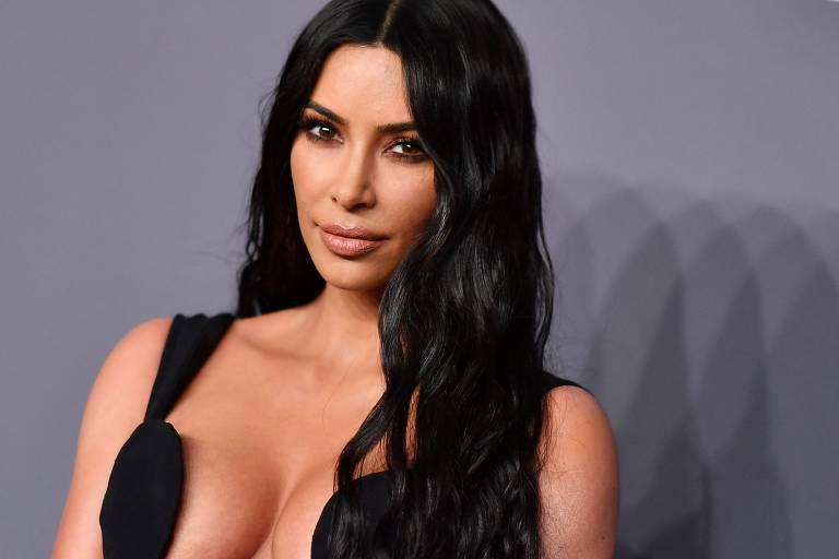 Kim Kardashian manterá sobrenome de Kanye West após ele anunciar mudança