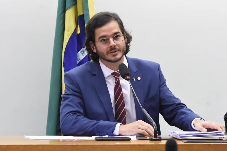 Deputado federal Túlio Gadêlha (PDT-PE) durante sessão na Câmara dos Deputados, em Brasília.