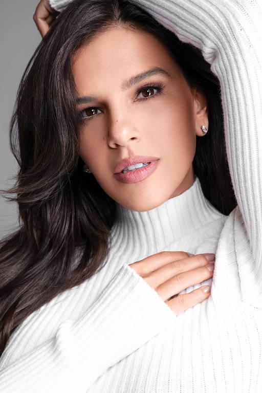 Imagens da atriz Mariana Rios