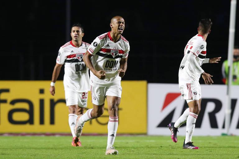 Bruno Alves comemora o 300º gol do São Paulo na história da Copa Libertadores