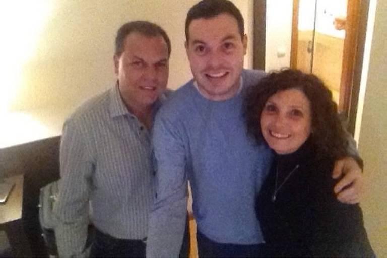 José Arnaldo ao lado do filho caçula, Anderson, e da mulher, Roseli