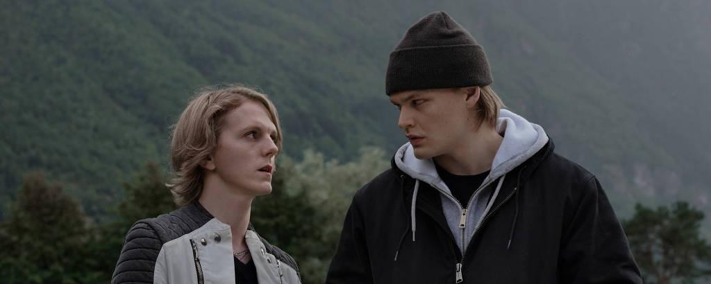 Jonas Strand Gravli e David Stakston na segunda temporada de 'Ragnarok'