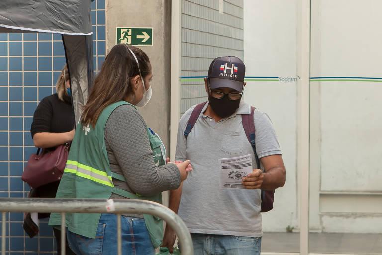 Onze passageiros passam por barreira sanitária na rodoviária do Tietê