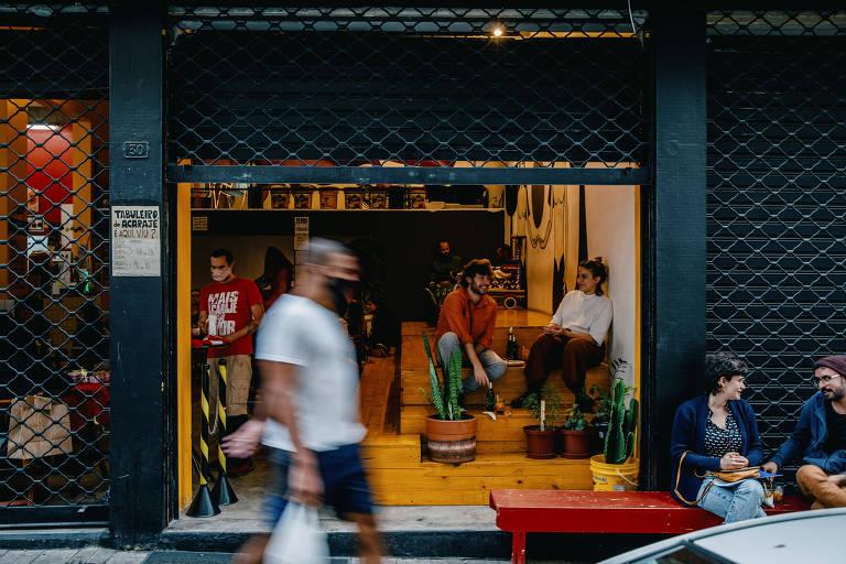 Conheça quatro lugares para experimentar comidinhas na rua Jesuíno Pascoal