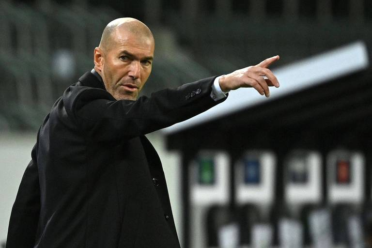 Real Madrid anuncia saída do técnico Zinédine Zidane