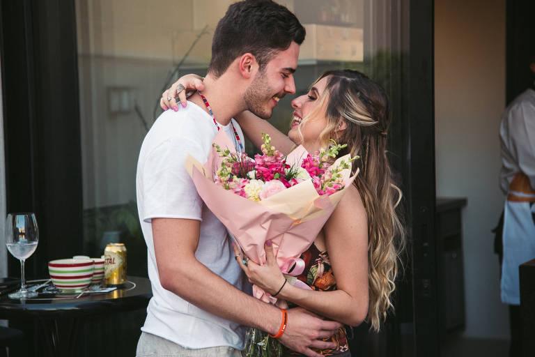 Julia Machado Rodrigues e Guilherme Pizani Rosa namoram a distância